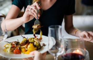 how many calories women should eat